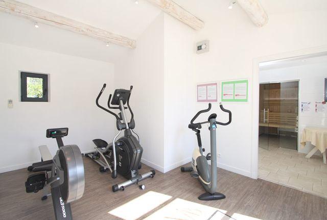Appareils de sport, sauna, hammam : détendez-vous à l'hôtel Val Baussenc, en Provence
