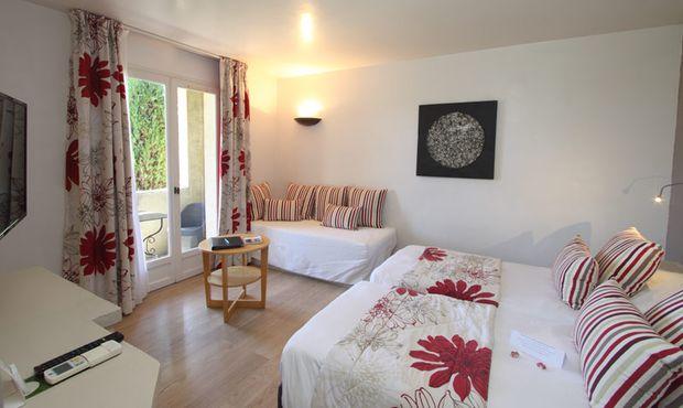 Val Baussenc, hôtel The Originals, 3 étoiles en Provence, chambres climatisées